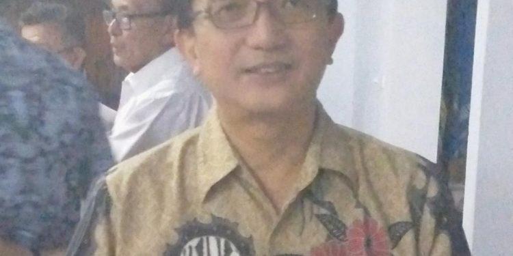 Ketua Yayasan GMIM Ds. AZR Wenas Ir. David Sompie.(dodokugmim/saratuwomea)