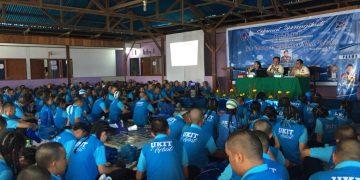 Rektor Prof. DR. Arnold Mezak Ratag, APU saat memberikan materi di Pendopo UKIT, selasa (13/8/2019).(dodokugmim/saratuwomea)