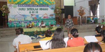 55 peserta Penataran Dasar Guru Sekolah Minggu (PDGSM) mengikuti ibadah pengutusan yang digelar di GMIM Jemaat 'El Ritey Wilayah Tumpaan, Minggu (8/9/2019).