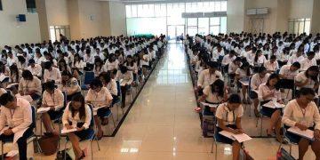 Tes tertulis calon vikaris GMIM di Lantai 3 Kantor Sinode GMIM, Rabu (12/2/2020).(dodokugmim/steviwowor)