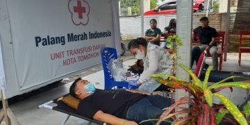 Kegiatan donor darah digelar dalam perayaan Dies Natalis GMKI ke-71 tahun oleh GMKI Tomohon, Selasa (9/2/2021).(dodokugmim/nandaelis)