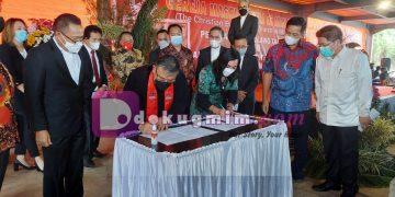 Perayaan HUT PI dan PK GMIM ke-190 tahun, Sabtu (12/6/2021). Dalam perayaan tersebut, GMIM dan IAKN menjalin kerjasama di bidang pendidikan. kerjasama ini ditandai dengan penandatangan MoU oleh Ketua BPMS GMIM Pdt. DR. Hein Arina dan Rektor IAKN DR. Jeane Tulung, S.Th, M.Pd.(dodokugmim/nanda)